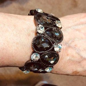 Gorgeous black teardrop stones & rhinestones